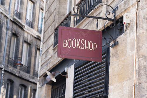 Pinturas sobre lienzo  vintage signage bookstore sign bookshop in city street