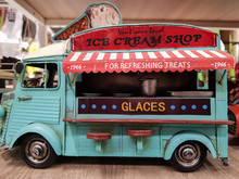 Vinatage Ice Cream Van. Busine...