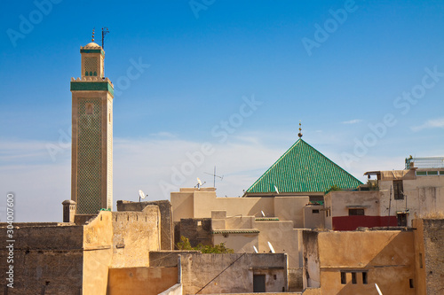 Fotografia The most important religious complex of the medieval medina of Fes with the Zawi