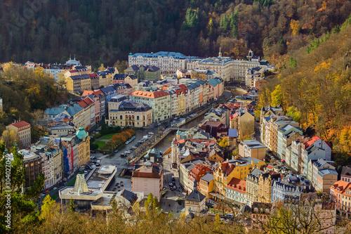 Obraz na plátně Karlovy Vary, Czech Republic - October 30, 2017: Embankment in the center of the