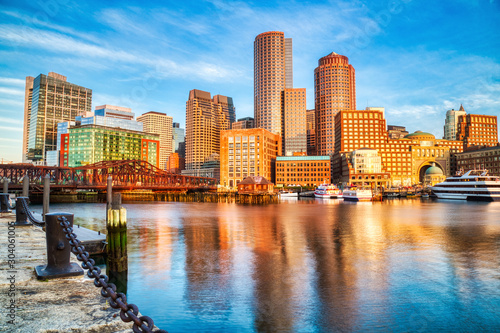 Fotografía Boston Skyline with Financial District and Boston Harbor at Sunrise