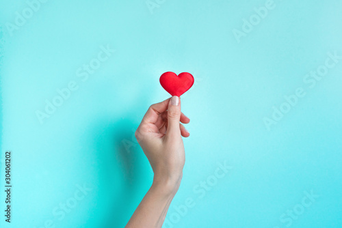 Obraz Hand holding Red Heart - fototapety do salonu