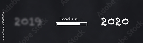 Photographie 2020 loading illustration at chalkboard