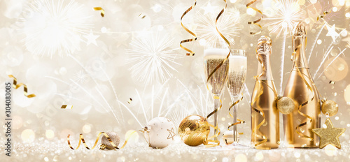 Fototapeta New Years Eve Celebration Background with Champagne and Confetti. Golden Holiday Party obraz