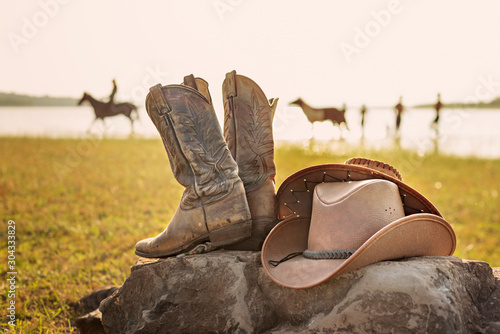 Tela Wild West retro cowboy hat and boots
