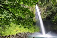 Catarata Or Waterfall Rio La Fortuna. Beautiful Nature Area Close To Arenal Volcano, La Fortuna, Costa Rica.