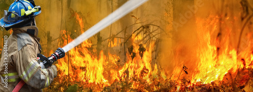 Australia bushfires, The fire is fueled by wind and heat. Fotobehang