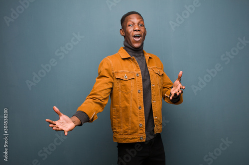 Photo young african american black man performing opera or singing at a concert or sho