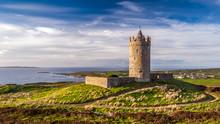 Doonagore Castle Round Tower I...