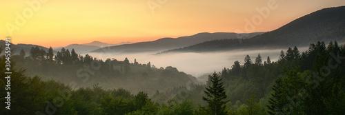 Foto auf Leinwand Gelb Schwefelsäure Panorama Bieszczad