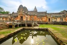 Prasat Hin Phanom Rung (Phanom Rung Stone Castle)