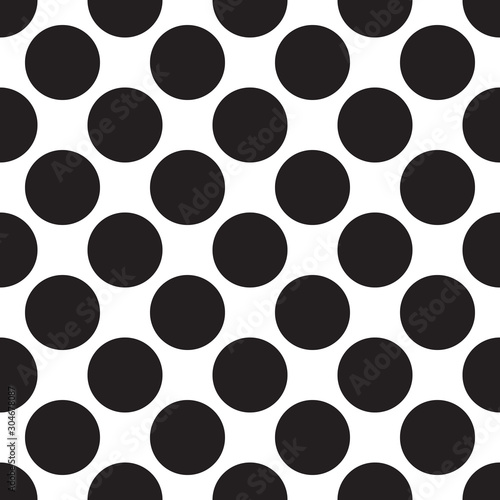 black-white-seamless-pattern-with-circle-dot