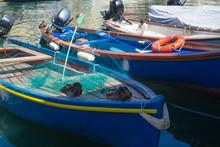 Anatre In Porto Sopra Una Barc...