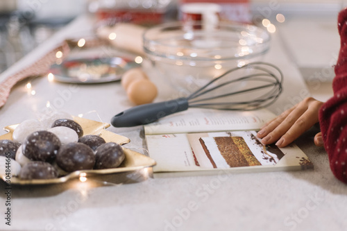 Photo Table with sweets, recipe book and lights