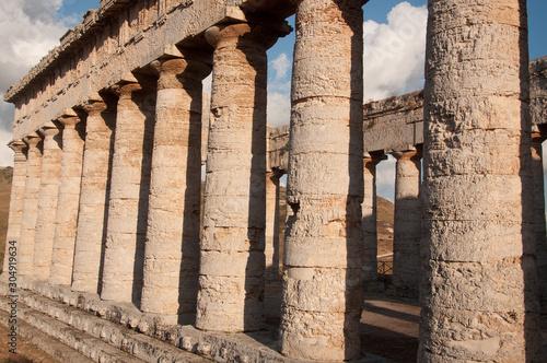 Fototapeta Colonne del Tempio Dorico di Segesta (Trapani, Sicilia)