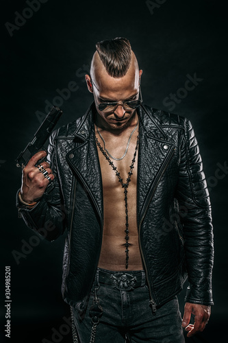 Fotografia gangster man with gun