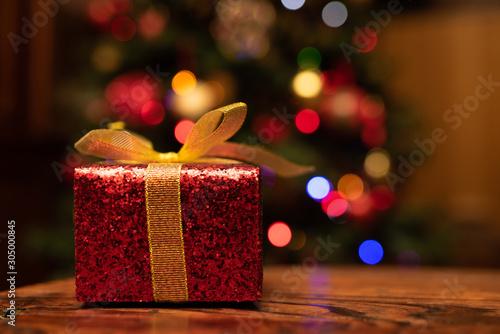 Spoed Foto op Canvas Londen テーブルに置かれたクリスマスプレゼント