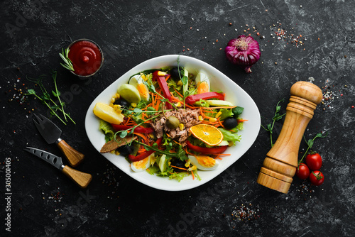 Fotomural  Tuna salad