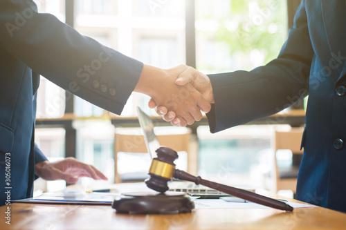 Αφίσα  Business people shake hands after legal consultation from a lawyer