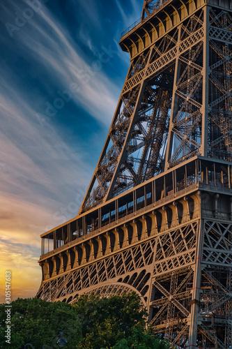 In de dag Eiffeltoren Beautiful Details of Eiffel Tower under an amazing Sky, Paris France