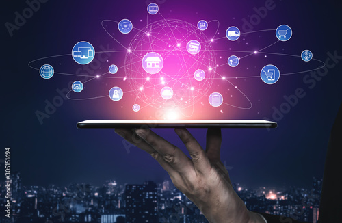 Slika na platnu Omni channel technology of online retail business