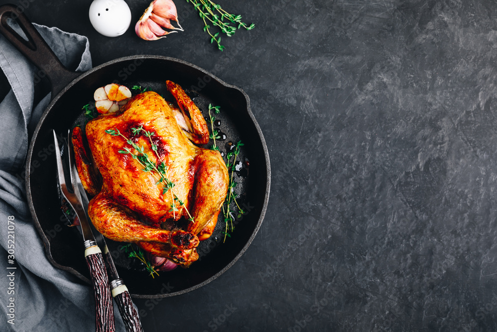 Fototapety, obrazy: Grilled fried roasted whole Chicken in cast iron pan