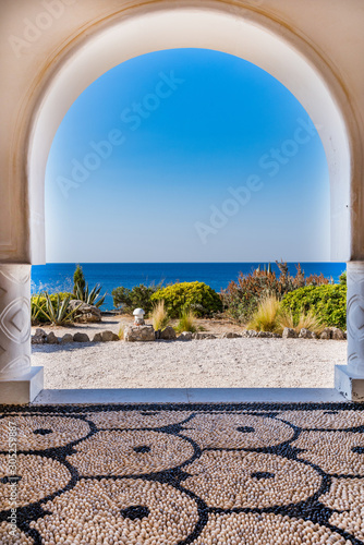 Fotomural Kalithea Springs Therme Beautiful Arch with Sea View, Rhodes,Greece