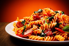 Fusilli With Sausages And Vege...