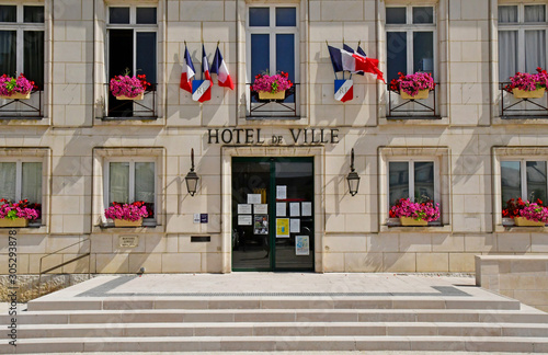 Fotomural Montoire sur le Loir; France - june 30 2019: town hall