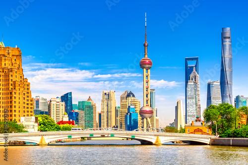 Foto auf Leinwand Shanghai Shanghai pudong skyline with historical Waibaidu bridge, China during summer sunny day