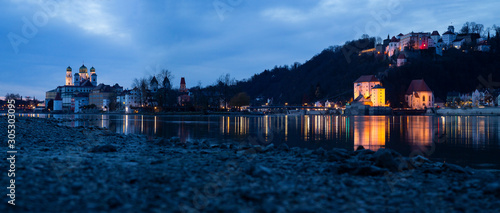 Photo Panorama of Passau at the confluence of Ilz, Inn and Danube with view towards Ob