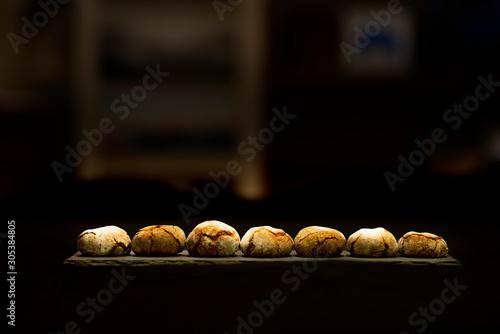 Fotografía  Amaretti biscuits backlight