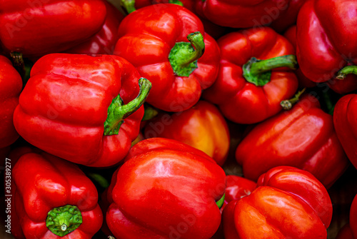 Carta da parati Red bell pepper close-up, wallpaper, pattern