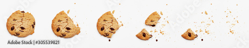 Fototapeta Steps of chocolate chip cookie being devoured obraz