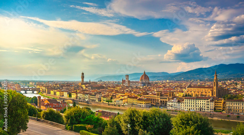 Photo Florence or Firenze sunset aerial cityscape.Tuscany, Italy