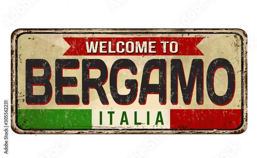 Photo  Bergamo vintage rusty metal sign