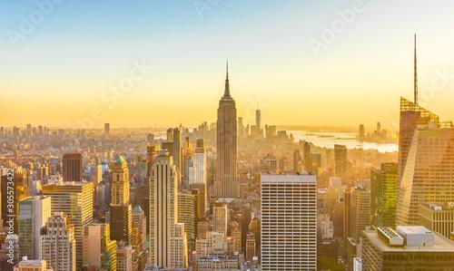 Panoramę budynków Manhattanu w Nowym Jorku w 2019 roku