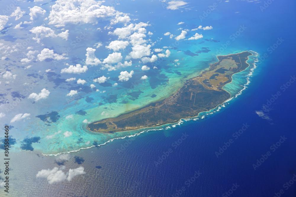 Fototapeta Aerial view of the Caribbean island of Anegada in the British Virgin Islands