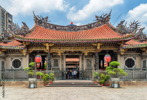 Main entrance of Mengjia Longshan Temple, Taipei, Taiwan Canvas Print