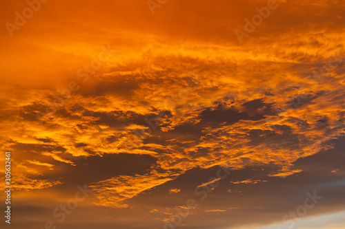Foto auf AluDibond Ziegel cloud at sunset nature background