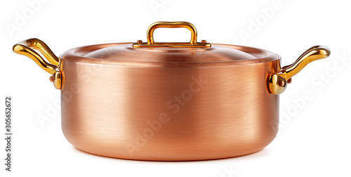 Fotografia Clean and shiny copper pot isolated on white background