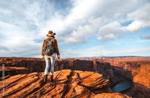 Fototapeta Young hiker at the Glen Canyon obraz