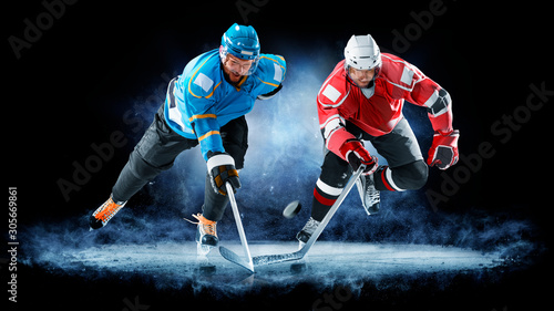 Photo ice hockey players isolated on black background