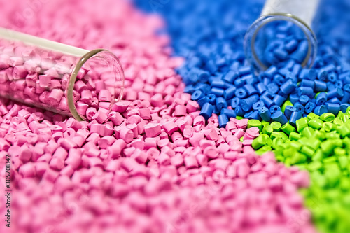Fotomural Polymeric dye. Colorant for plastics. Pigment in the granules.