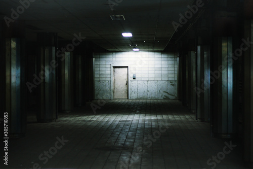 Train Station Underground Mysterious atmosphere Slika na platnu