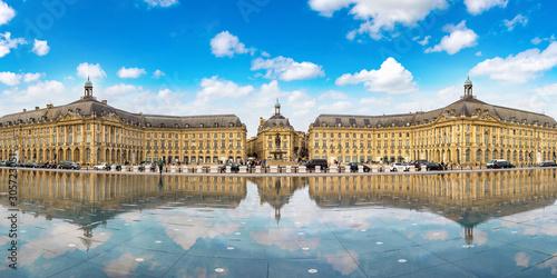 Place de la Bourse in Bordeaux © Sergii Figurnyi