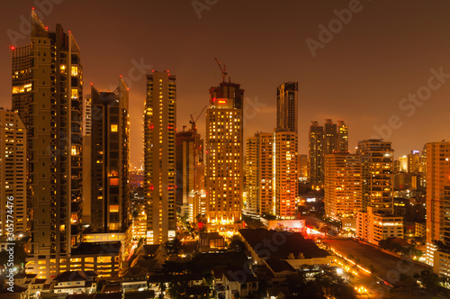 Fototapety, obrazy: Bangkok night view with skyscraper in business district in Bangkok Thailand