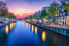 Long Exposure Shot Of Canal Si...