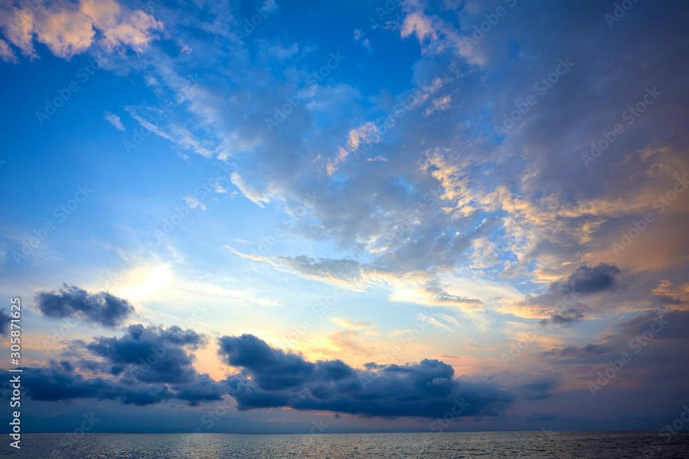 Fototapeta sunset over sea