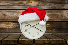 Christmas Time - Clock With Santa Hat